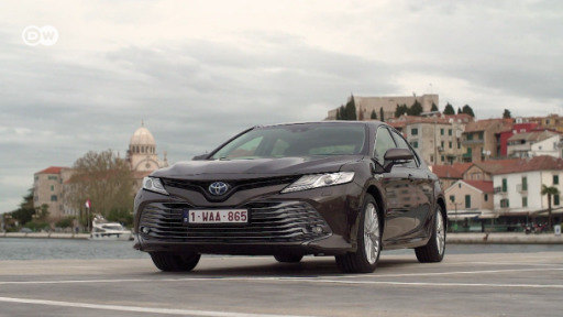 After 15 years, the Toyota Camry is back in Europe as a full hybrid version.