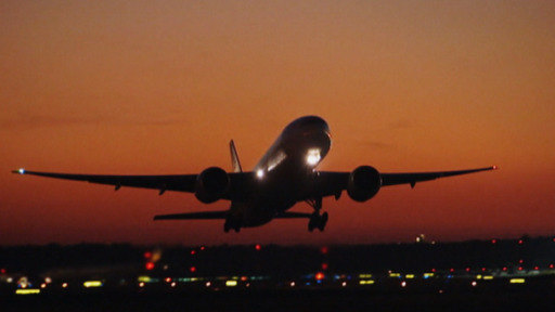 How does chronic noise pollution from airplanes affect people's health?