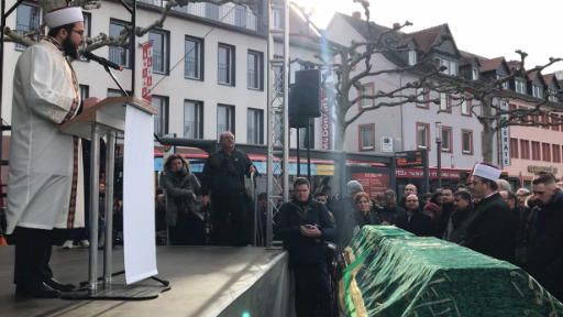 Anger and solidarity in Hanau after deadly racist attack