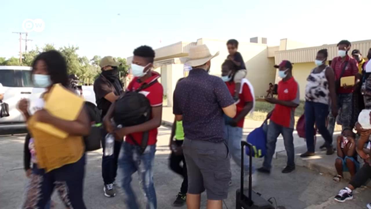 Тысячи мигрантов пытаются попасть из Мексики в США