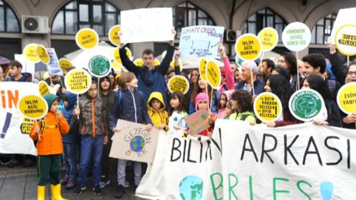 Image result for İklim grevi: İstanbul'dan iklim adaleti çağrısı yükseldi